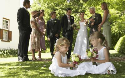 Bruidsmeisjes en bruidsjonkers op jullie bruiloft? Dit zijn de beste tips